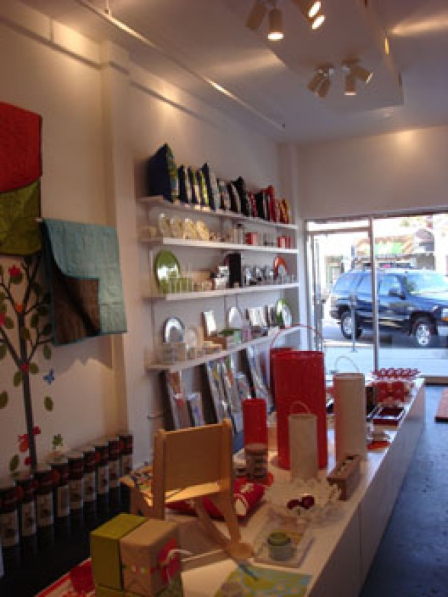 Pop-Ups: Not Neutral's Beverly Hills Holiday Shop