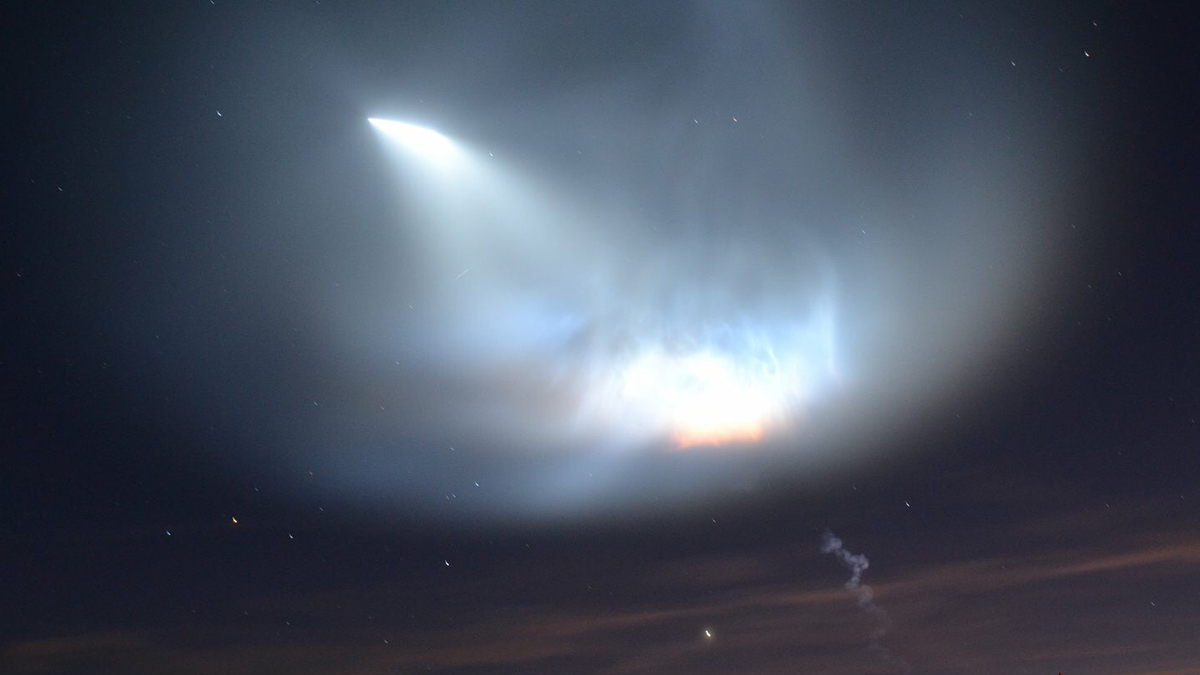PHOTOS: SpaceX Falcon 9 Lights Up SoCal Sky