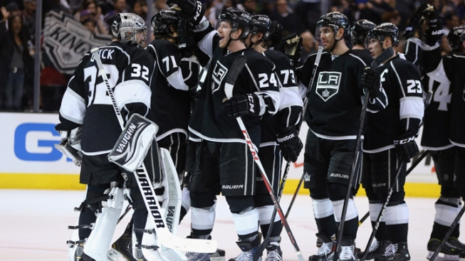 LA Kings Advance to Second Round