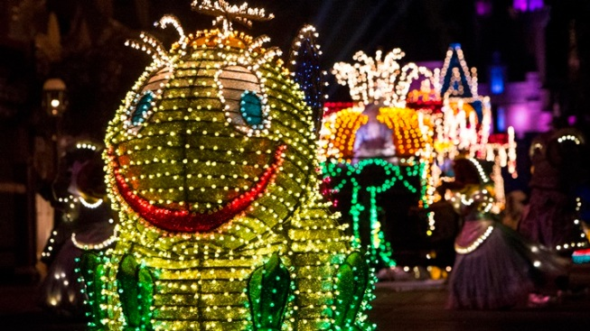Main Street Electrical Parade Extended