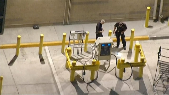 LAPD Arrests 2nd LAX Worker in Dry Ice Bombs