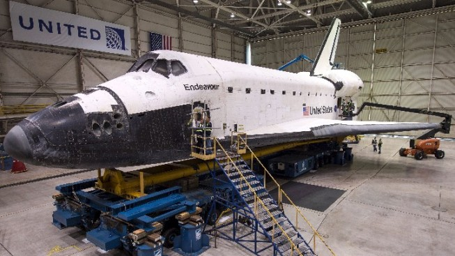 Weekend: Endeavour Heads Home