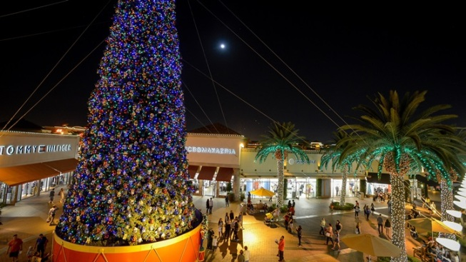 Weekend: It's Tree-Lighting Time, SoCal
