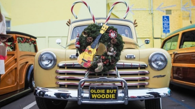 This Decorated Woodie Parade Is Way Malibu
