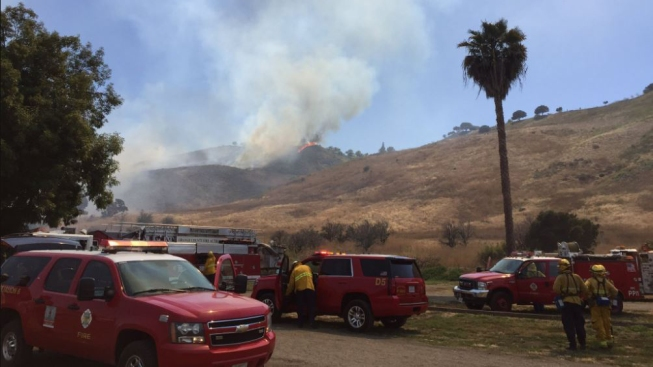 Brush Fire Threatens Homes in San Juan Capistrano