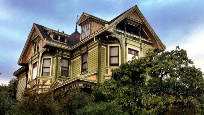 An Eerie October Amble in Angelino Heights