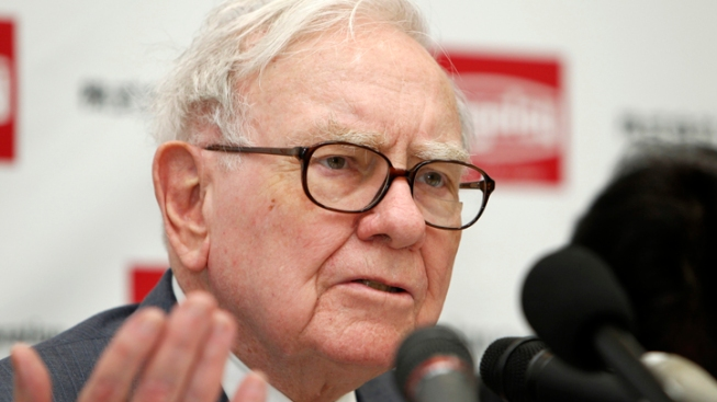 Warren Buffett Fires Back: Trump Hasn't Seen My Tax Returns