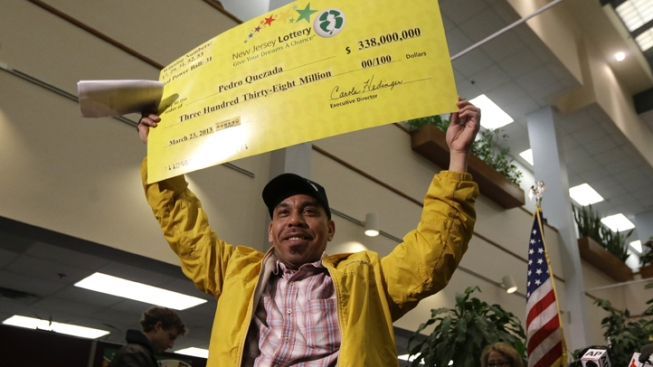 Ex-Girlfriend of Powerball Winner Tries For Share of Money