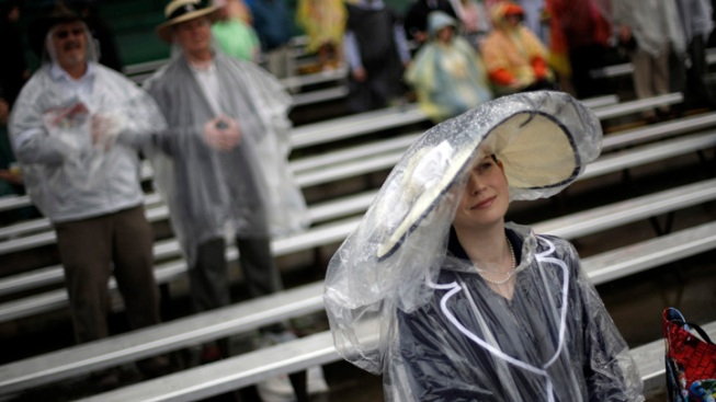 Crowds Brave Rain, Security Lines for Ky. Derby