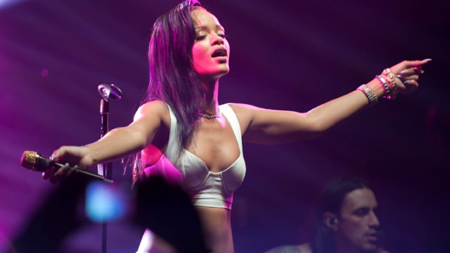 Rihanna Goes Pantless in Paris for Day 4 of Her 777 Tour