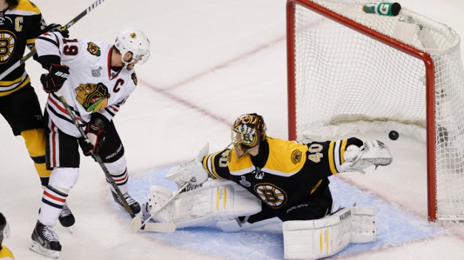 Blackhawks Beat Bruins 6-5 in OT, Even Series 2-2
