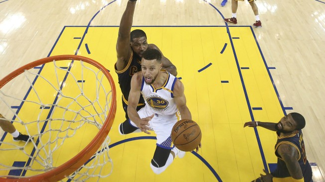 Durant leads Warriors to Game 1 win over Cavaliers