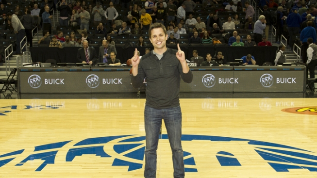 Philly College Professor Wins $10K NCAA Half-Court Shot Contest