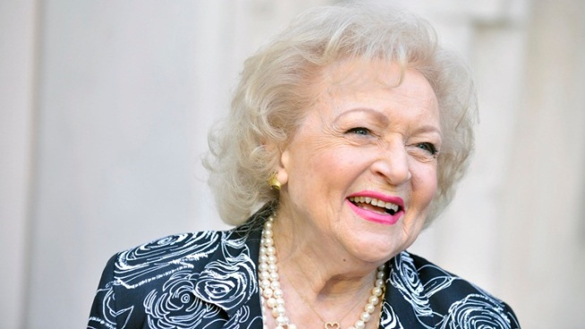 Betty White's 91st = Free Cupcakes for Fans