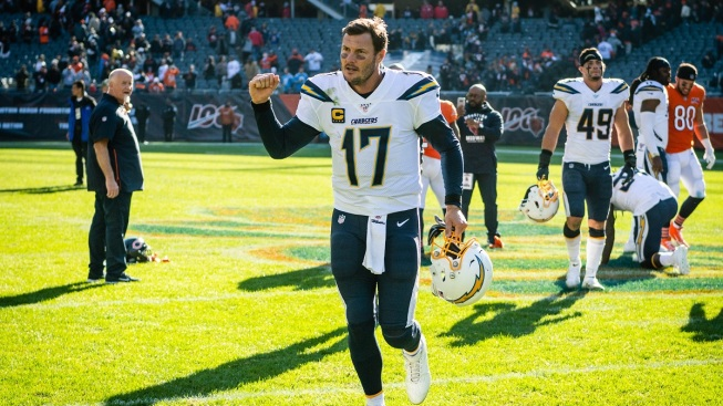Hudson, Brown Active for Raiders Against Charger