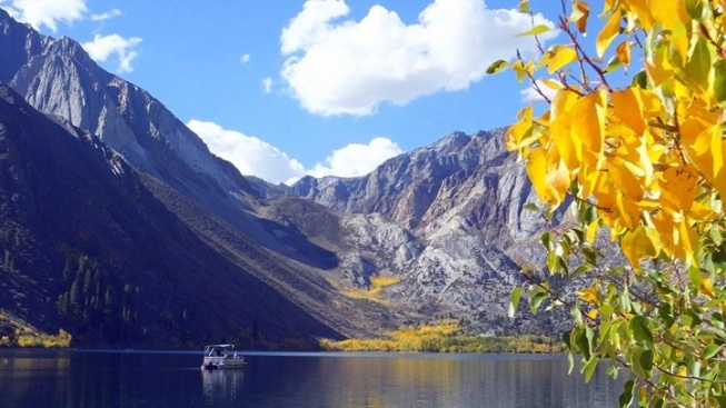 Colorful Convict Lake: Fall's in Full Bloom