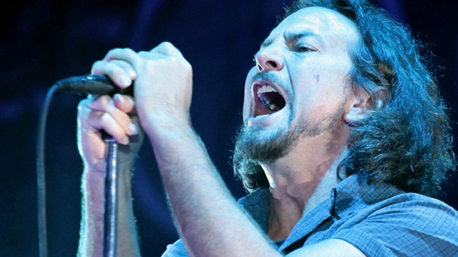 Injured Eddie Vedder Postpones Solo Tour