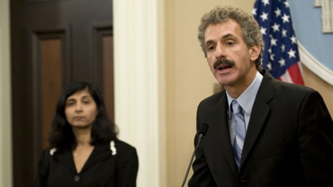 LA City Attorney Candidate Mike Feuer Hospitalized After Crash