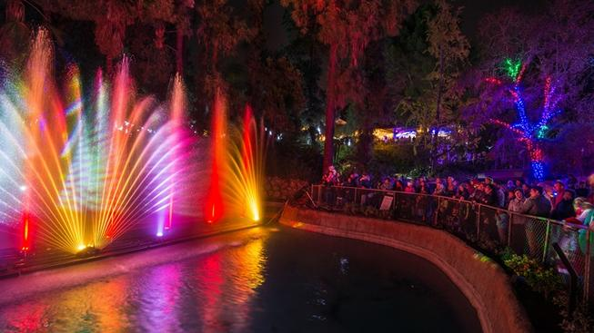 LA Zoo Lights On-Sale Date to Soon Shine
