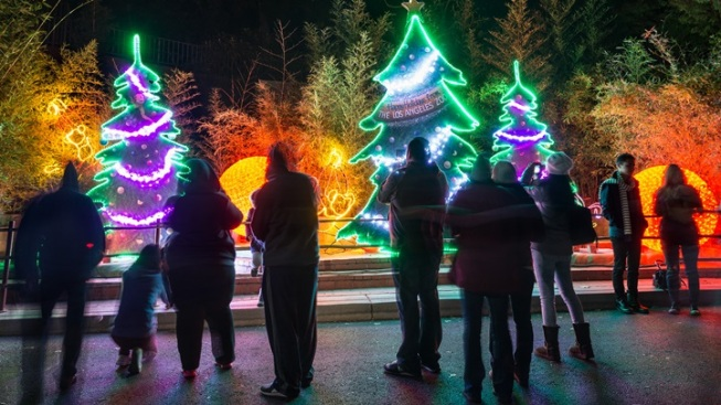 LA Zoo Lights: Seven-Week Glow Show