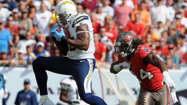 Surging Bucs Beat Chargers 34-24 for Third in Row