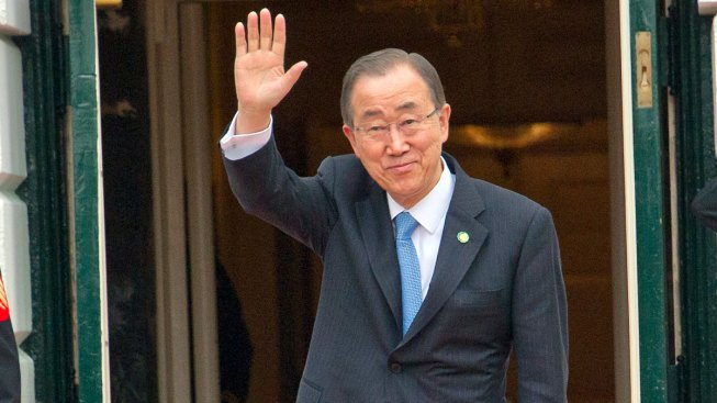 Ex-UN Chief Back in S. Korea, Hints at Presidential Bid
