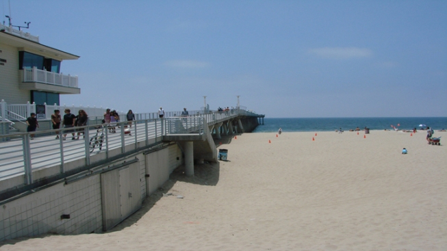 Hermosa Beach Pier Shutdown Not Affecting Businesses, Retailers Say