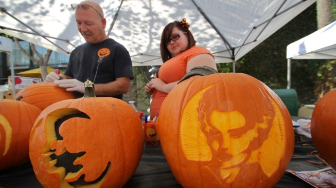 Free Fall Fest to Glow at the Original Farmers Market