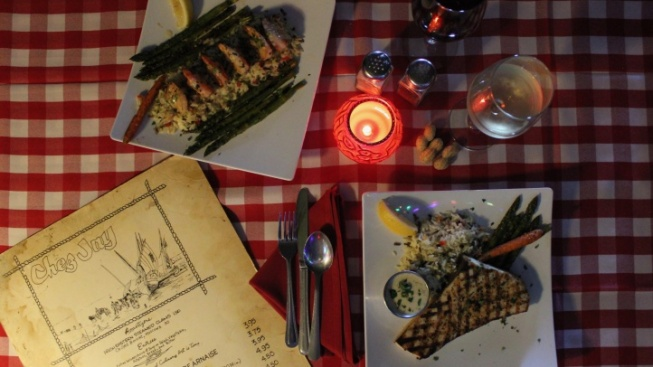 Chez Jay to Throw Back to Its 1959 Menu (and Prices)