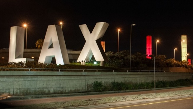 LAX Shares Its Top Holiday Airport-Happy Tips