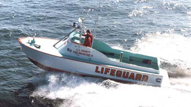 6 Boaters Rescued After Vessel Capsized Near Cabrillo Beach