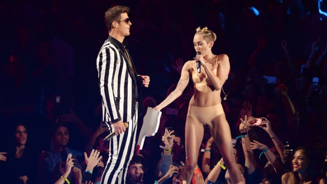 "Foam Finger Maker: Miley ""Degraded"" an ""Icon"""