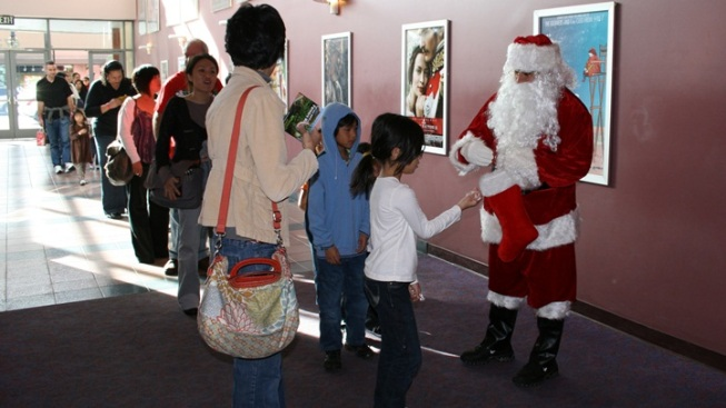 Pasadena's Free Holiday Treat