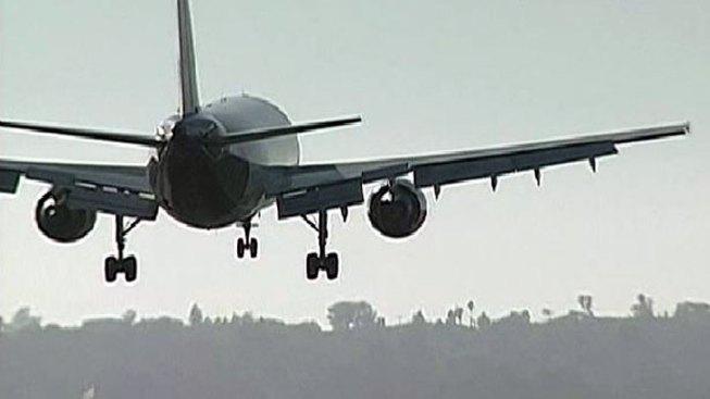 Passenger Runs From Plane, Delays Flights at Lindbergh Field