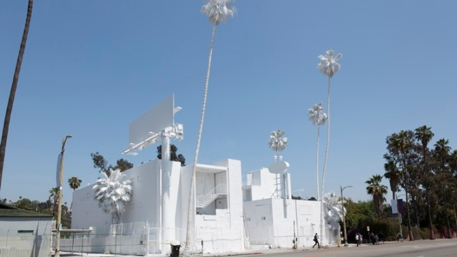 "Motel as Art: ""Projection"" in Silver Lake"