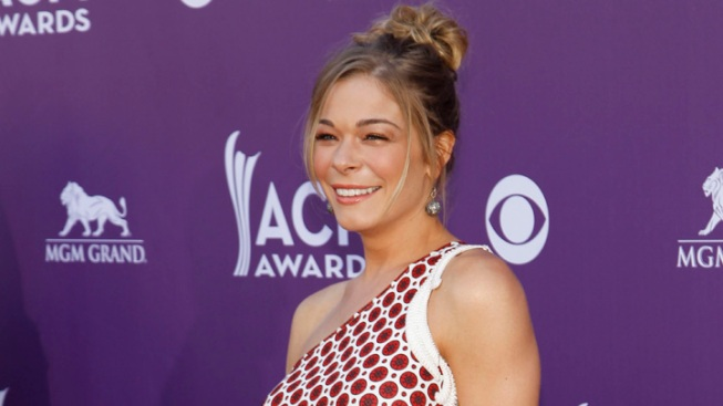 "LeAnn Rimes Sues Over ""Secretly"" Taped Conversation"