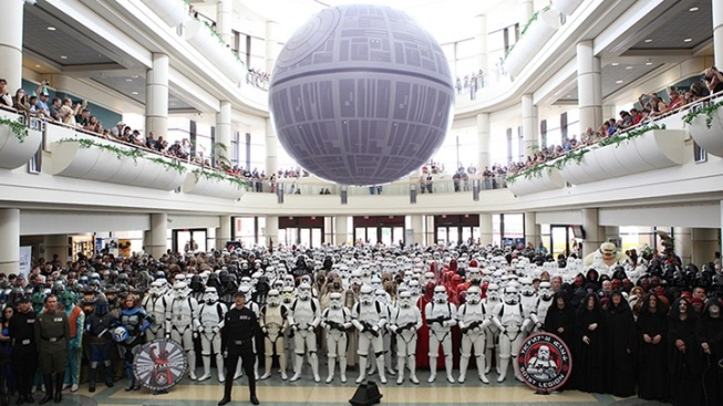 Anaheim Con Readies for Biggest Star Wars Group Photo Ever