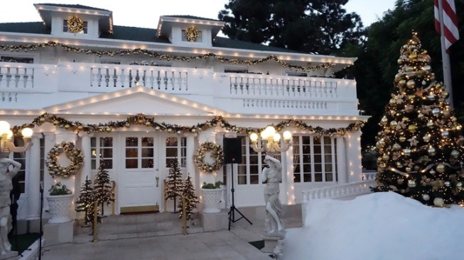 OC Holiday: Anaheim White House Tree-Lighting
