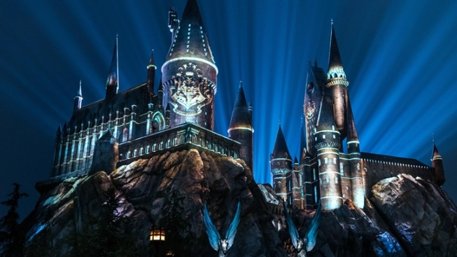 New Spells, Classic Light Show to Enchant Wizarding World