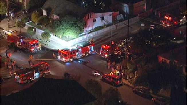 Man Dies, Woman Escapes North Hollywood House Fire