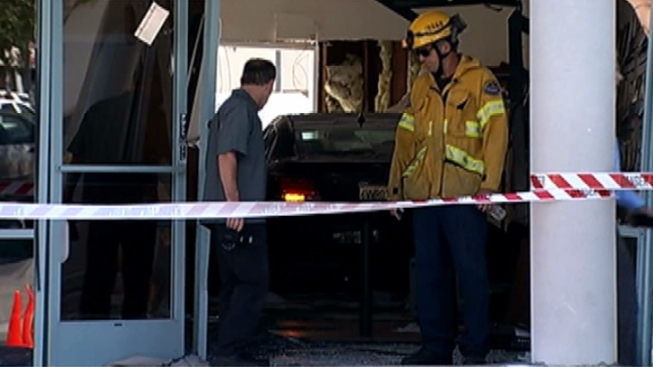 Car Crashes into Tutoring Center in Fountain Valley, Injuring 6