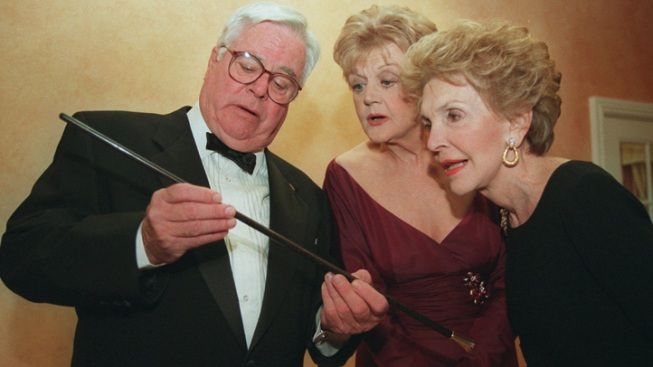 Emmy Winner William Windom Dead at 88