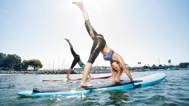 Paddleboard Yoga a New Way to Exercise