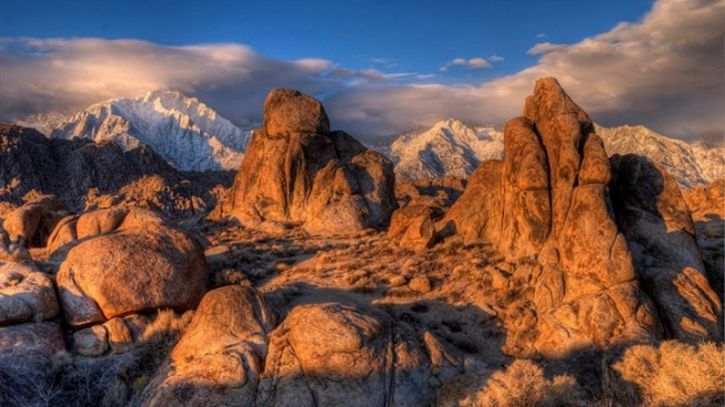 "Alabama Hills Adventure: Travel ""The Movie Road"""