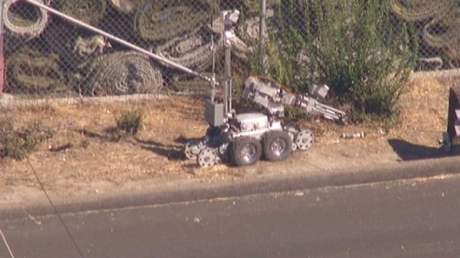 101 Freeway Reopens in West San Fernando Valley After Bomb Squad Response