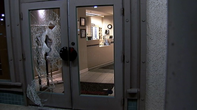 Thieves Had Sights on Expensive Sunglasses at OC LensCrafters