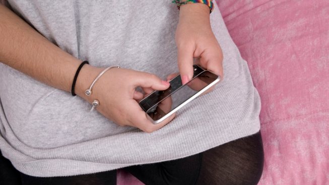 Smartphones Linked to Lower Test Scores, Studies Say