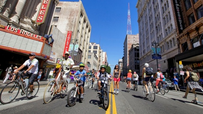 Weekend: Thousands Bike the 'Heart of LA'