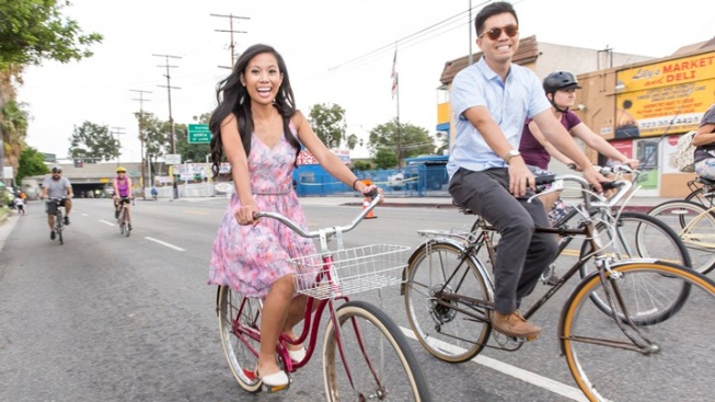 Weekend: CicLAvia Rolls Down Wilshire