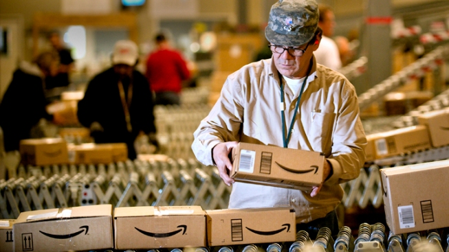 100+ Jobs Available at IE Amazon Warehouse